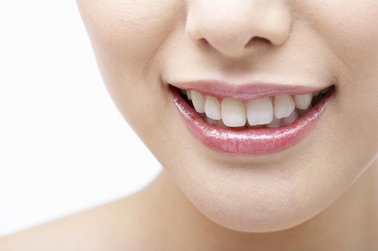 歯の黄ばみや着色をキレイにするクリーニング