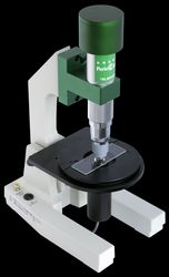 お口の中の菌の状態を把握する位相差顕微鏡